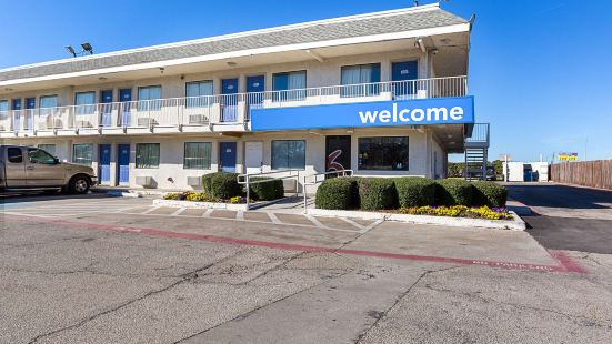 歐文達拉斯6號汽車旅館