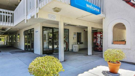 Motel 6 Santa Barbara - Carpinteria South