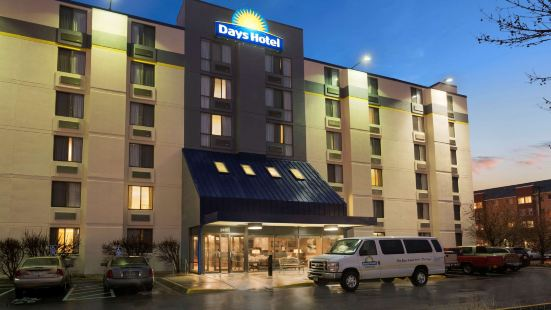 Days Hotel by Wyndham University Ave SE