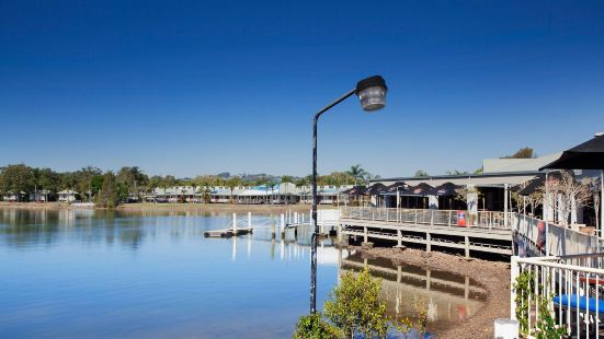 Waterfront Hotel Sunshine Coast