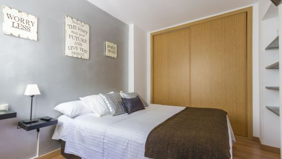 7Rooms7 Plaza Mayor Apartments