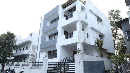 OYO 26499 Check Inn Service Apartment