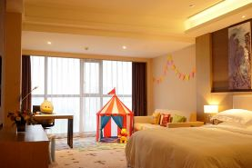 武汉恒信美居酒店(欢乐童年亲子房+2大1小自助早餐)