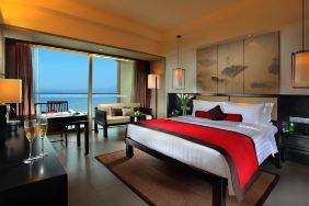 三亚湾海居铂尔曼度假酒店(高级花园房+2大1小套餐+接机+升级)