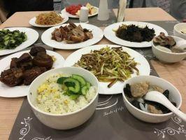 黄山西海饭店(3-6人特价经济中餐)