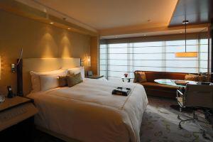 南京金奥费尔蒙酒店(提前3天预约-豪华房+双早)