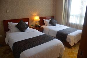 上海恒福新天地酒店(高级双床套房)
