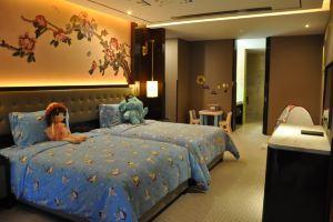 上海皇廷花园酒店豪华连通房+四份自助晚餐
