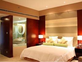 上海南桥绿地铂骊酒店(【特惠】高级客房+海湾森林公园门票+早餐)