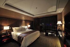 【含早】宜昌馨岛国际酒店豪华房+三峡大瀑布家庭套票