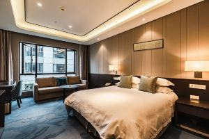 南京国际会议大酒店(【含早】紫金楼豪华房+双人自助晚餐)