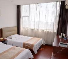 泰山五马宾馆(豪华标间+私人旅游顾问)