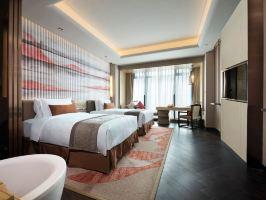 芜湖华邑酒店高级房(含双早)+双人海鲜自助晚餐