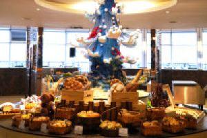 大连中远海运洲际酒店(原大连远洋洲际酒店)紫丁香咖啡厅自助早餐两大一小家庭套餐