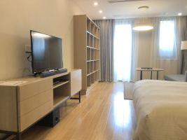 上海逸兰森兰服务式公寓(【提前3天预约含早】高级大床房)