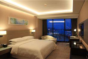 青岛红树林度假世界(珊瑚酒店)(高级景观房+2大1小探险王国套餐)