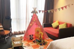 广州珠江新城希尔顿欢朋酒店-合家欢亲子房(豪华大床房)-配亲子沙发床+双人早餐 + 亲子套餐+体验智趣儿童亲子主题客房