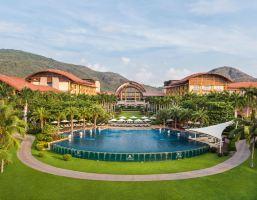 三亚亚龙湾瑞吉度假酒店园景房+晚餐+旅拍