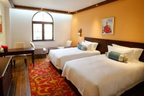 嘉途酒店(上海欢乐谷店)西班牙主题房+欢乐谷/玛雅海滩2选1
