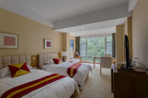 峨眉山红珠山宾馆-8号楼松林居特价双床+无限次温泉