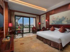 杭州宝盛水博园大酒店(高级园景房+2大1小自助晚餐)