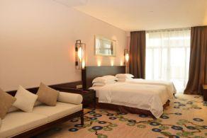 桂林玉圭大酒店(【含早】高级山景双床间+2人玉圭园)