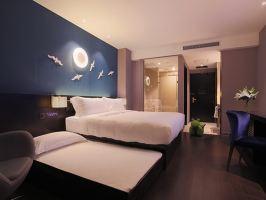 桔子水晶酒店(上海国际旅游度假区周浦万达店)(亲子房+2大1迪士尼周末票)