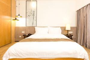 柏高酒店式公寓(广州暨南大学店)商务大床房+带阳台