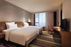 【含双早】南昌万达九龙湖诺富特酒店-标准双床房+双