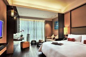 上海卓美亚喜玛拉雅酒店(【含早】豪华房+双人午餐+双人晚餐)