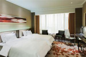 南京银城皇冠假日酒店(皇冠高级房+双人自助晚餐)