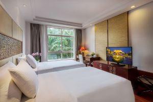 【国庆】三亚亚龙湾华宇度假酒店(别墅园景房2晚+玫瑰谷+下午茶)