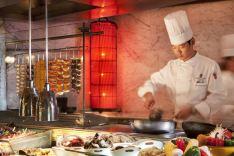 北京丽思卡尔顿酒店(华贸中心)【周一至周六】香溢餐厅自助午餐