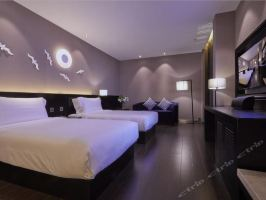 桔子水晶酒店(上海国际旅游度假区申江南路店)(【12月至1月】豪华房+迪士尼1日票2张)