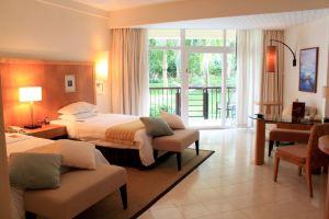 三亚亚龙湾喜来登度假酒店(雅致房+2大2小早餐+双人午餐/晚餐+免费加床+下午茶+房型升级)