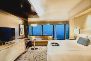 南京金奥费尔蒙酒店(豪华大床房1晚+金樽下午茶自助1份+欢迎巧克力1份)