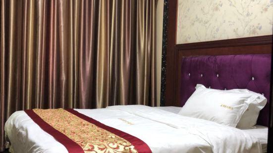 鳳凰花月圓大酒店