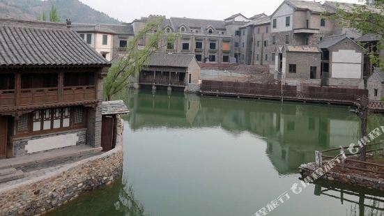 Wolong Inn Gubei Water Town