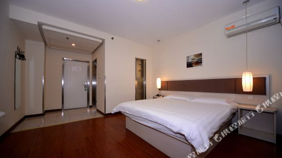 Motel 168 (Shanghai Hongkou Football Stadium Chifeng Road Metro Station)