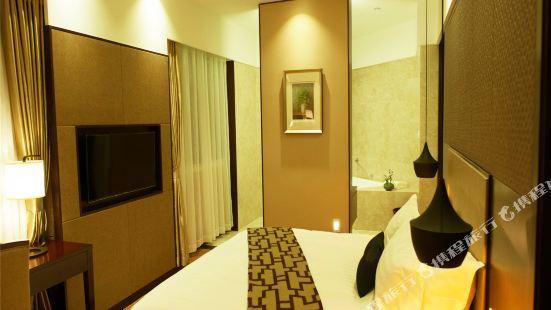 이펑 비즈니스 호텔