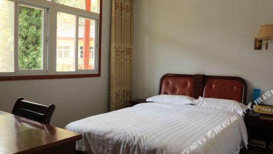 Tianzhushan Bishu Manor