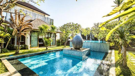 K Art Gallery Villa Bali