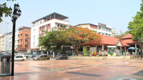 Five 2 酒店