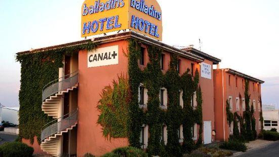 南拉羅契爾艾爾凱裏亞德直營飯店
