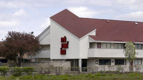 東蘭辛密執安州立大學紅屋頂酒店