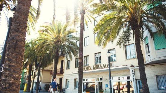 巴達洛納米拉瑪酒店