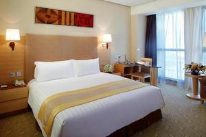 上海富豪金丰酒店(【周末特惠】豪华房连住两晚+迪士尼接送+火锅套餐-2晚)