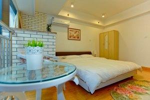 惠客行酒店公寓(南京河西万达店)(温馨大床房)