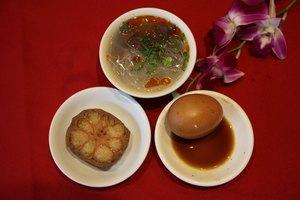 南京白鹭宾馆秦淮八绝小吃+盐水鸭+状元豆