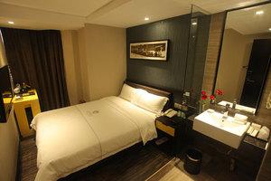 迎商三茂大酒店(广州环市路淘金地铁站店)房型2选1